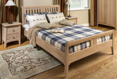 TCH New England Oak Bed