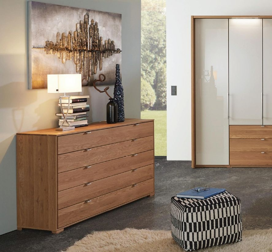 Wiemann Amato 5 Drawer Chest in Oak
