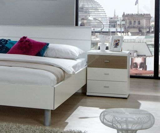 Wiemann Berlin 2 Door 4 Drawer Combi Chest in White and Sahara
