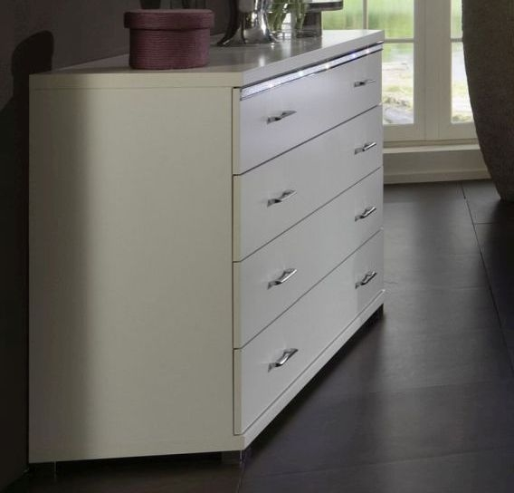 Wiemann Dubai 4 Drawer Chest in White and Crystal Glass