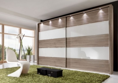 Wiemann Hollywood 4 Oak Sliding Wardrobe with Line 2 and 4 in White Glass - W 200cm-400cm
