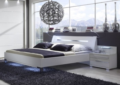 Wiemann Hollywood4 Sanitised Glass Inlay 5ft King Size Bed in White with Chrome Angled Feet - 150cm x 200cm