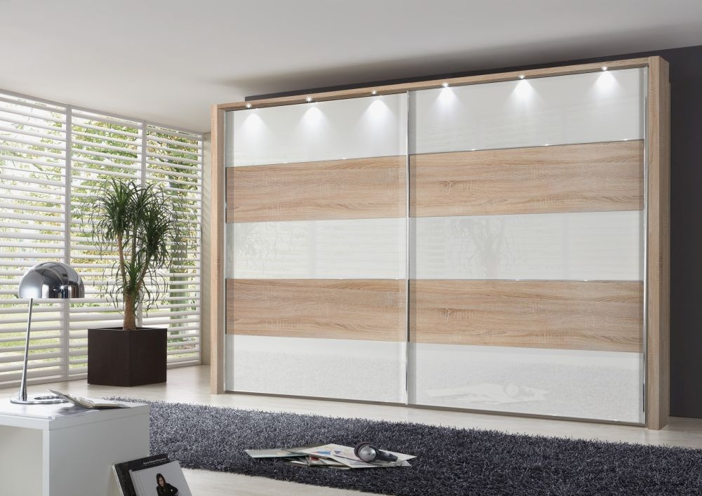 Wiemann Hollywood 4 Sliding Wardrobe with Lines 1 and 3 and 5 in Highlight Colour