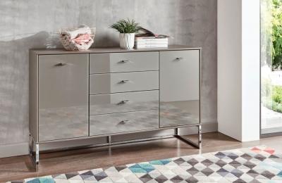 Wiemann Kansas Dresser