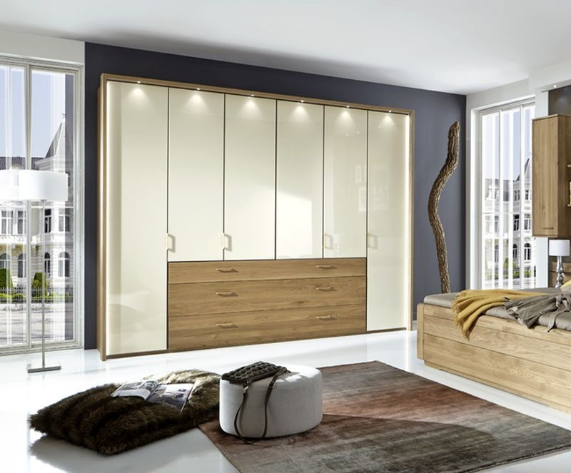 Wiemann Lido 6 Door Bi Fold Wardrobe in Oak and Magnolia Glass - W 300cm