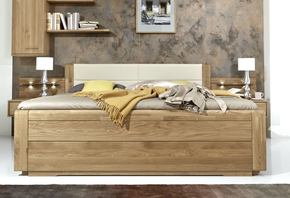 Wiemann Lido Magnolia Faux Leather Bed