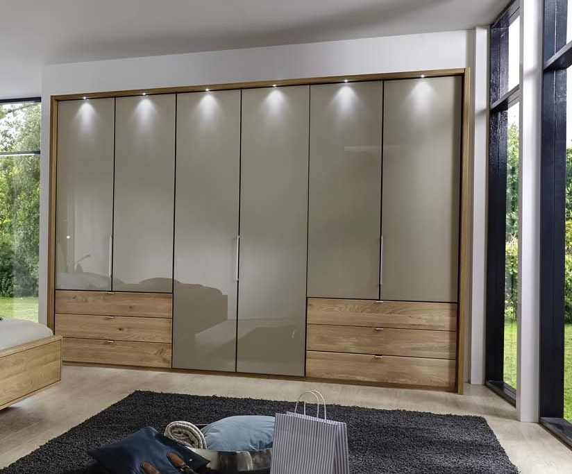 Wiemann Serena Bi-Fold Panorama Door Wardrobe with Champagne Glass