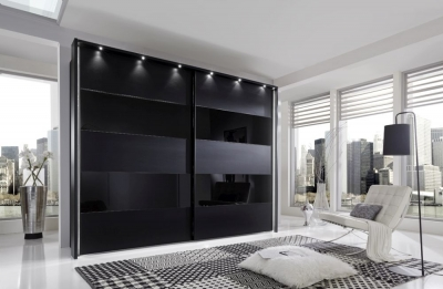 Wiemann Sunset Sliding Wardrobe with Line 1 and 3 in Highlight Color