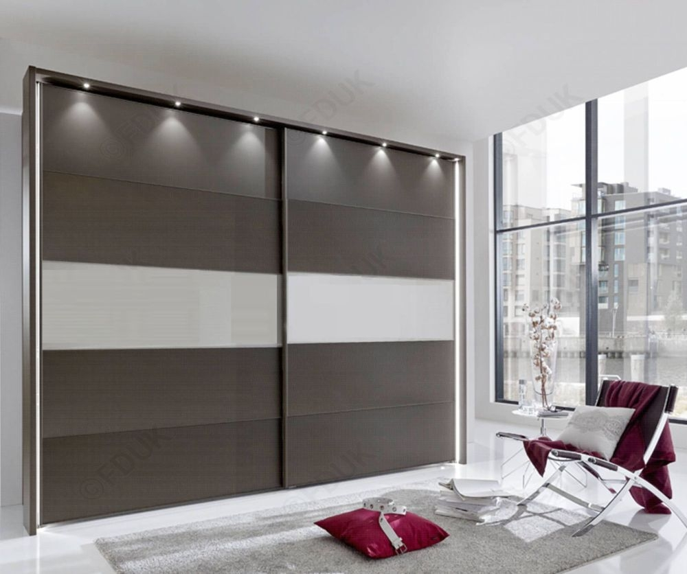 Wiemann Sunset Sliding Wardrobe with Line 3 in Highlight Color