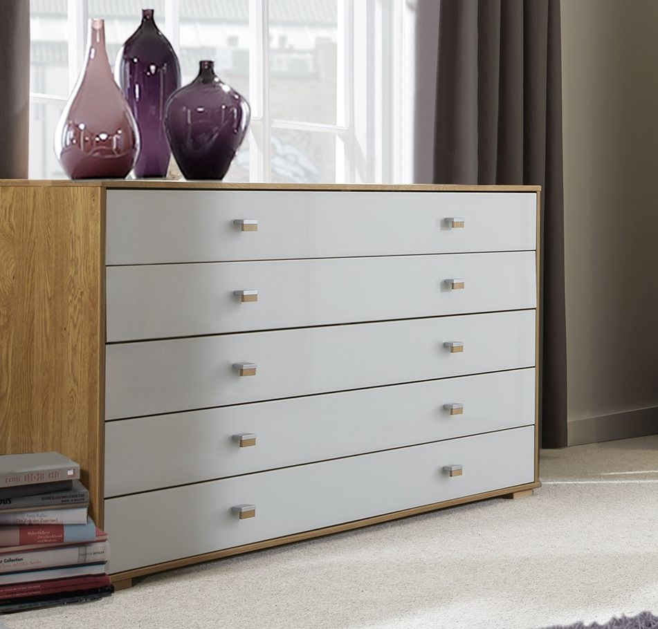 Wiemann Sydney 5 Drawer Large Chest in Oak and White Glass
