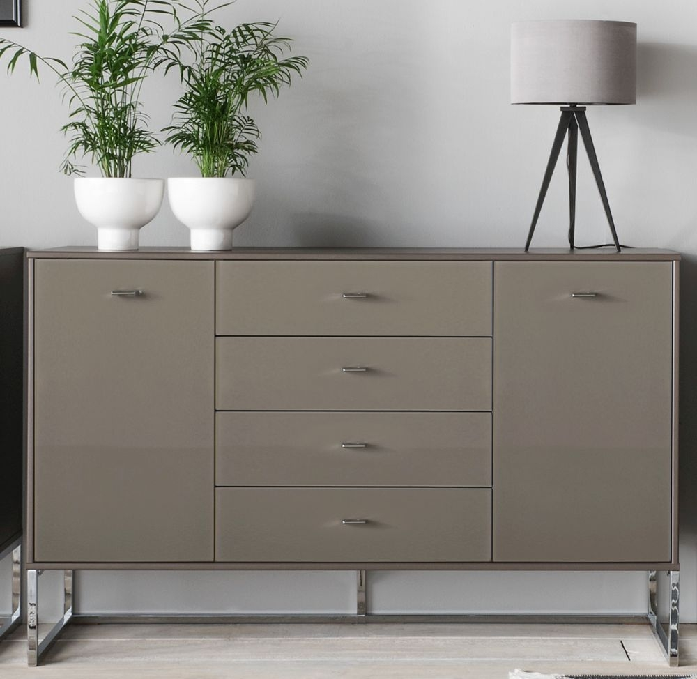 Wiemann Vigo 2 Door 4 Drawer Glass Combi Chest in Havana