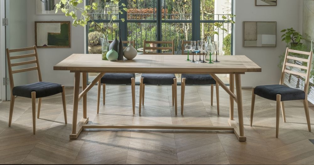 Willis And Gambier Boston Oiled Oak Large Rectangular Extending Dining Set with 6 Chairs