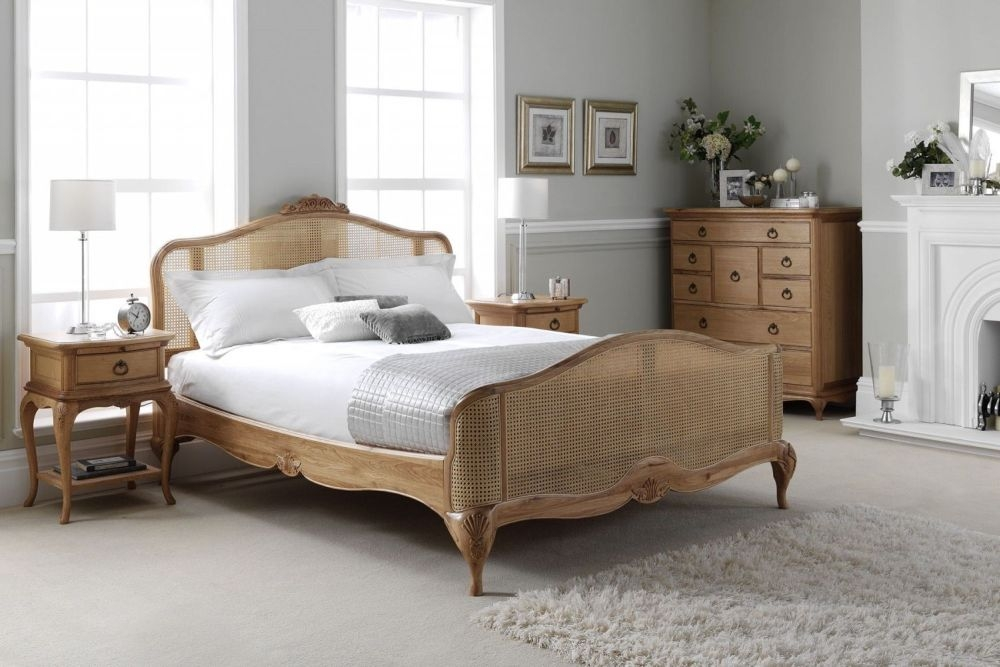 Willis and Gambier Charlotte Oak Bedroom Set