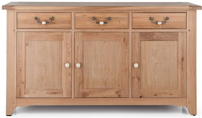 Willis and Gambier Gloucester Oak 3 Door Sideboard