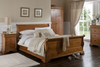 Willis and Gambier Louis Philippe Honeycomb Bedroom Set
