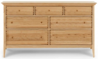 Willis and Gambier Spirit Oak 7 Drawer Low Dresser