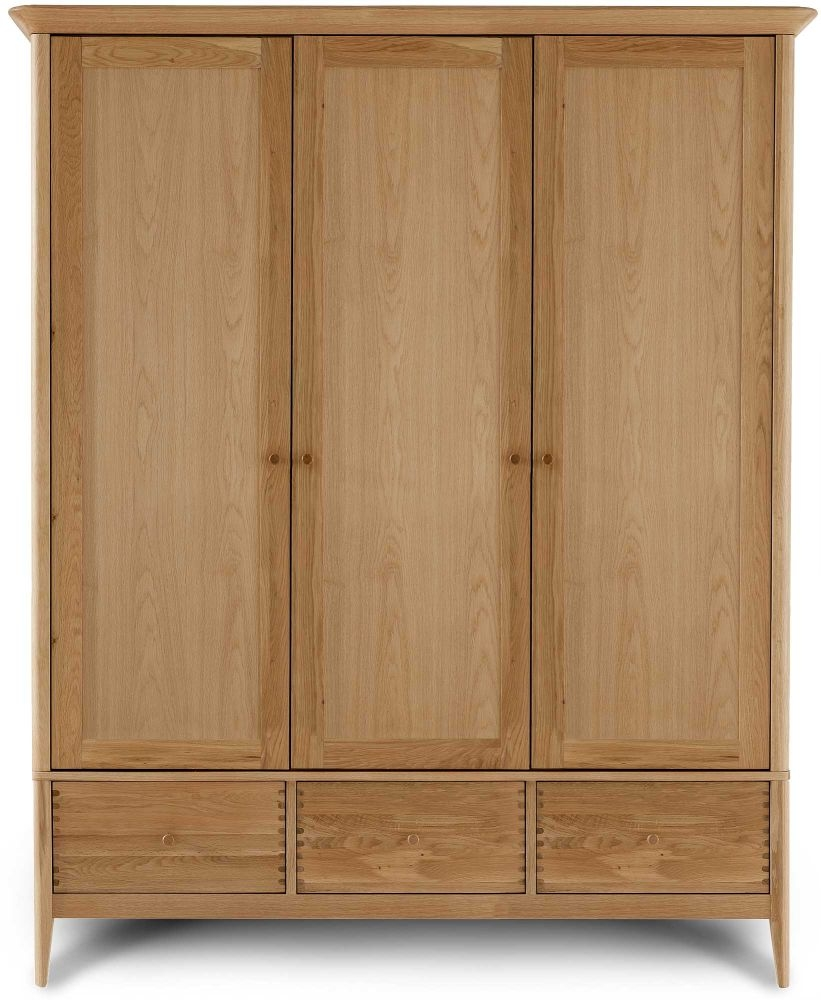 Willis and Gambier Spirit Oak Triple Wardrobe