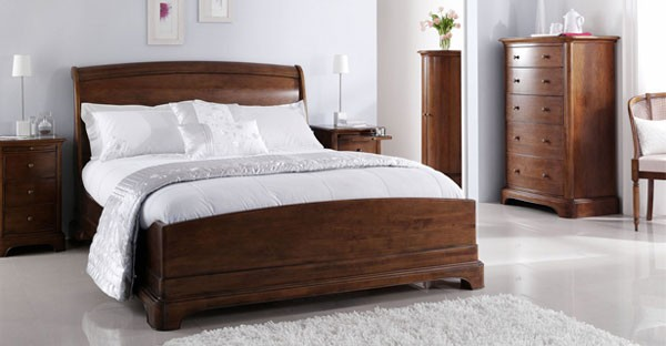 Dark wood furniture cfs dark wood bedroom dining range for Bedroom ideas dark wood
