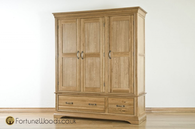 Bordeaux Oak 3 Door 2 Drawer Wardrobe