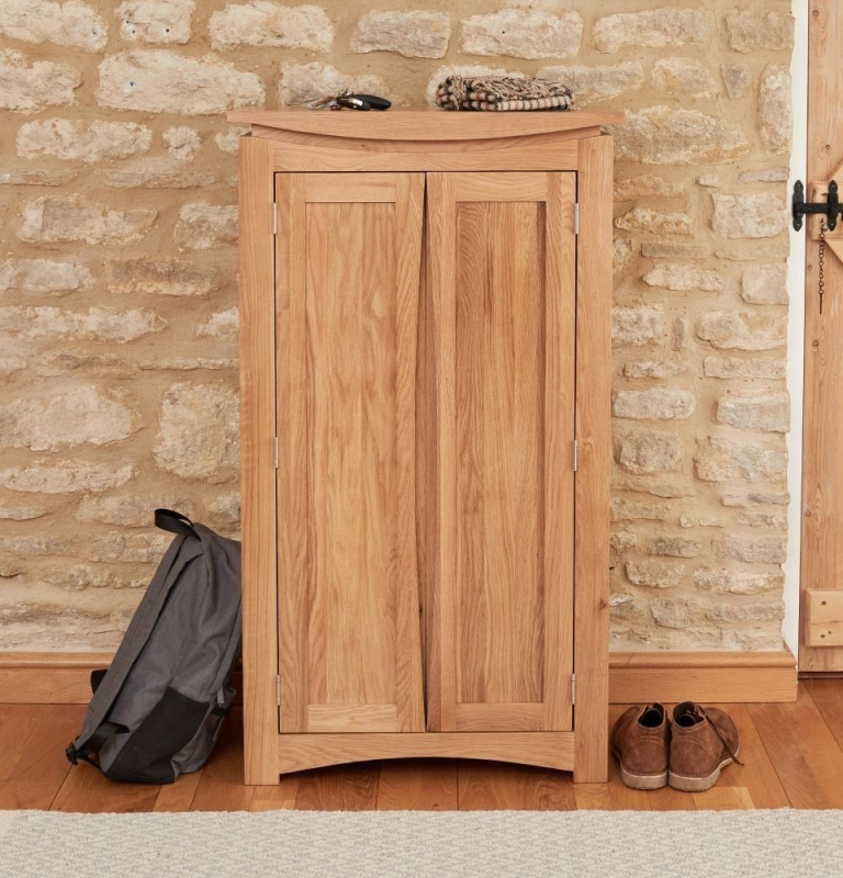 Baumhaus Roscoe Oak 2 Door Shoe Cupboard