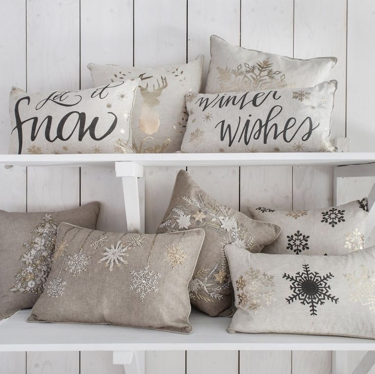 Gallery Direct Embroidered O Christmas Tree Hand Cushion (Set of 2)