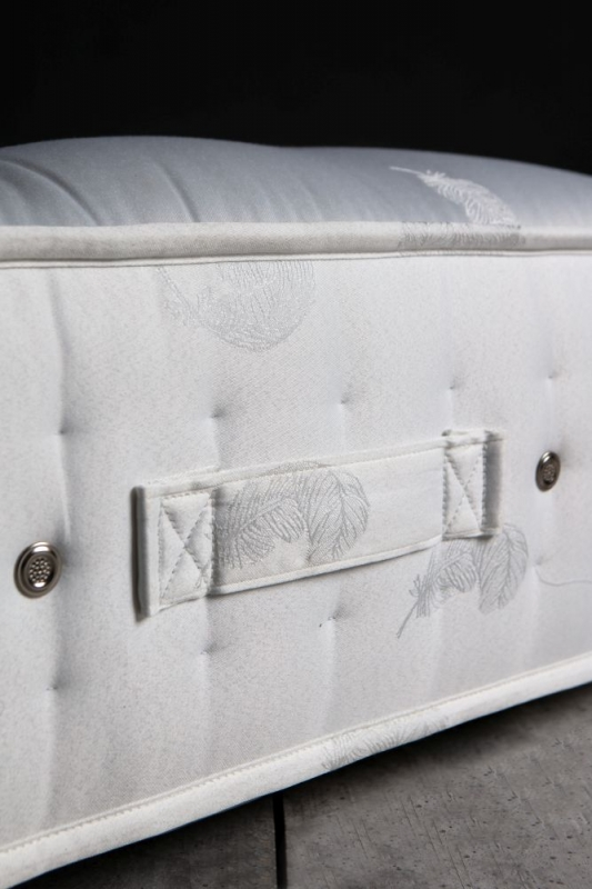 Gallery Direct Natural Tufted Deluxe 1400 Pocket Sprung Mattress
