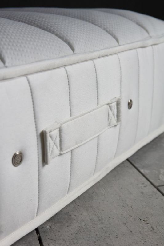 Gallery Direct Natural Quilted Sublime 1700 Pocket Sprung Mattress