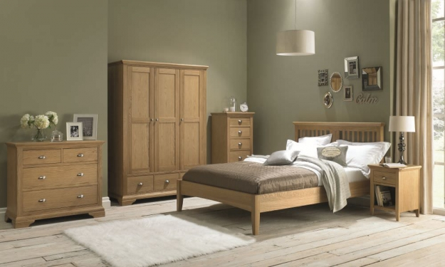 Bentley Designs Hampstead Oak Bedside Cabinet - 1 Drawer