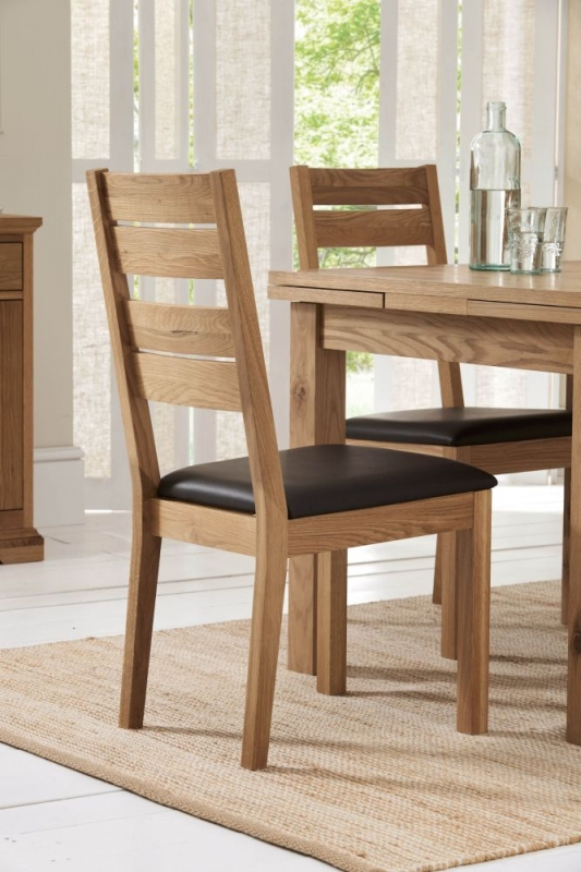 Bentley Designs Provence Oak Dining Set - 4-6 Draw Leaf Extending Table with Slatted Chairs