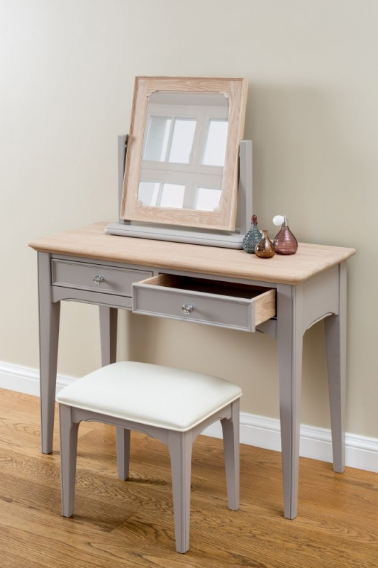 TCH New England Oak Dressing Table
