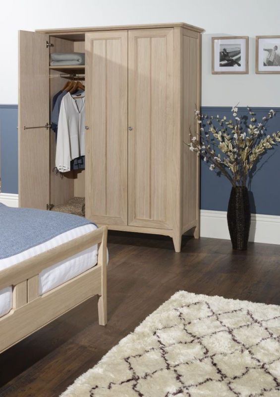 TCH New England Oak 3 Door Wardrobe