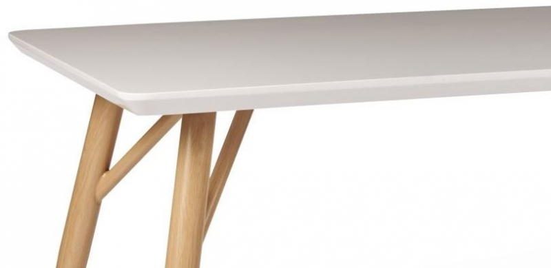 Contemporary High Gloss White Dining Table