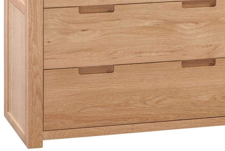 Clearance Half Price - Homestyle GB Moderna Oak 3+2 Drawer Chest - New - 451