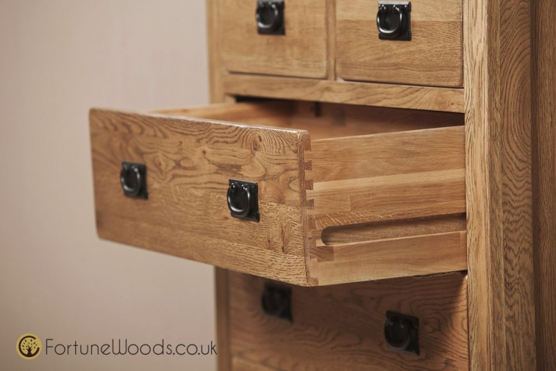 Rustic Oak Chest of Drawer - 4+2 Drawer