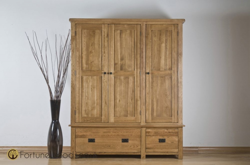 Rustic Oak Wardrobe - 3 Door 2 Drawer