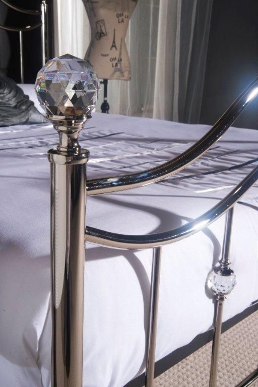 Limelight Cygnus Chrome Metal Bed