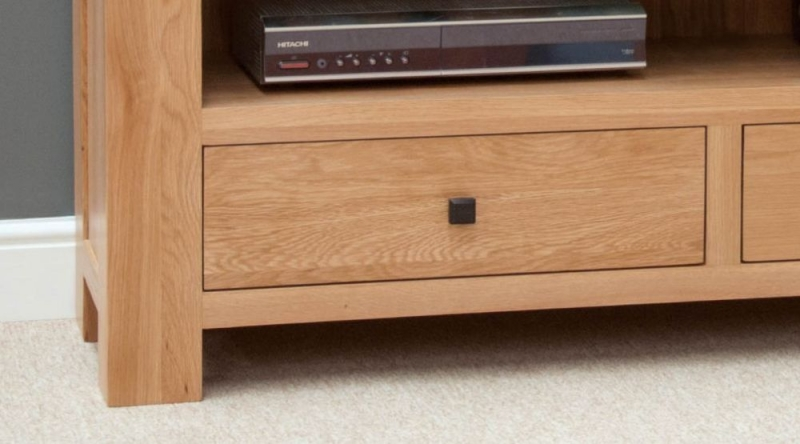 Homestyle GB Bordeaux Oak TV Unit