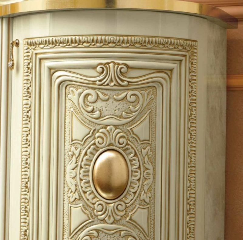 Camel Leonardo Day Ivory High Gloss and Gold Italian Corner Base