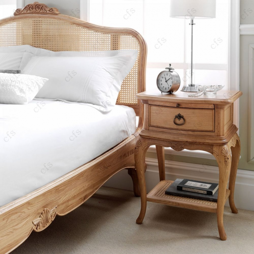 Willis and Gambier Charlotte Oak Bedside Table