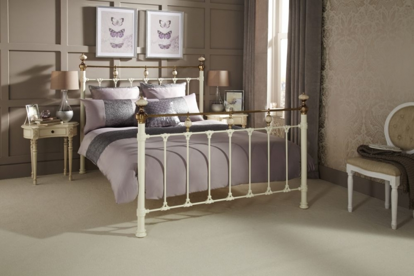 Serene Precious Abigail Ivory with Dark Brass Metal Bed