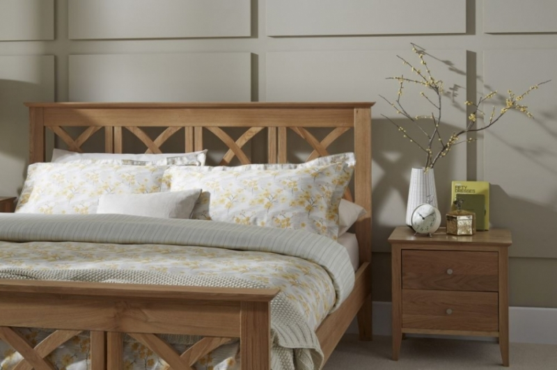 Serene Maiden Solid Oak Bed