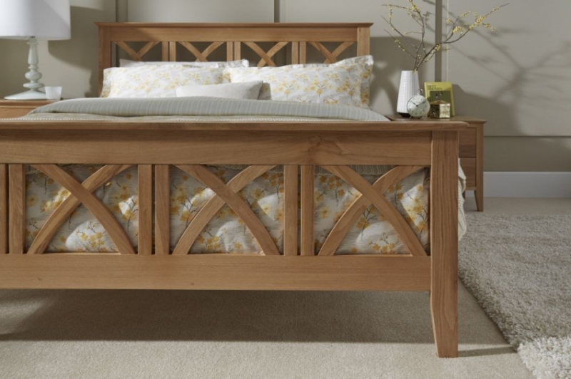 Serene Lincoln Solid Oak Bed