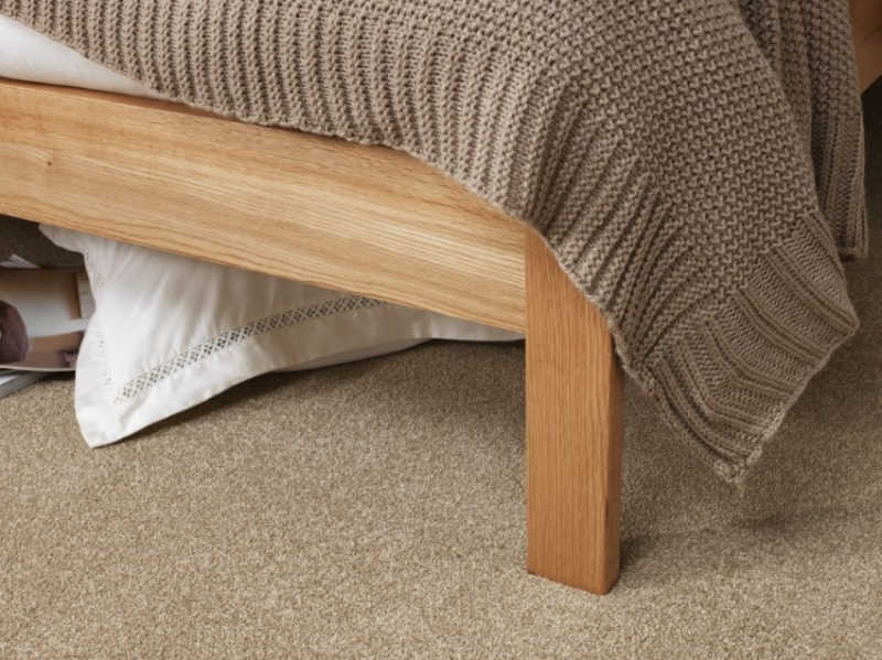 Serene Thornton Solid Oak Bed