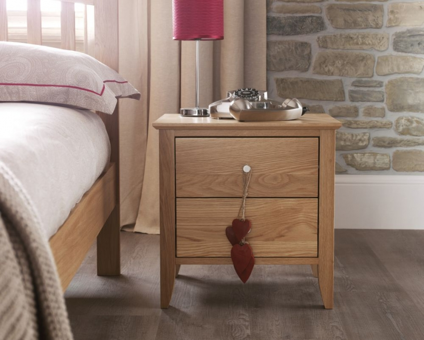 Serene Windsor Solid Oak Bedside Cabinet - 2 Drawer