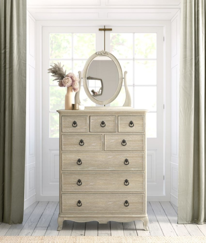 Willis and Gambier Camille Oak 8 Drawer Chest