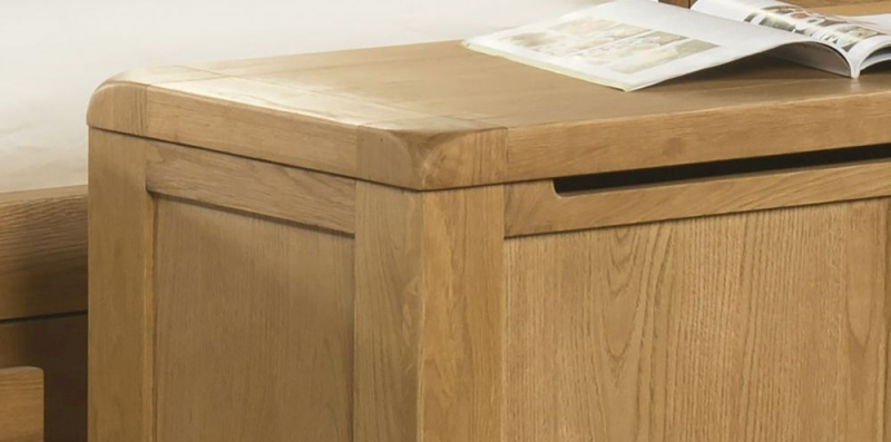 Devonshire Avon Oak Blanket Box