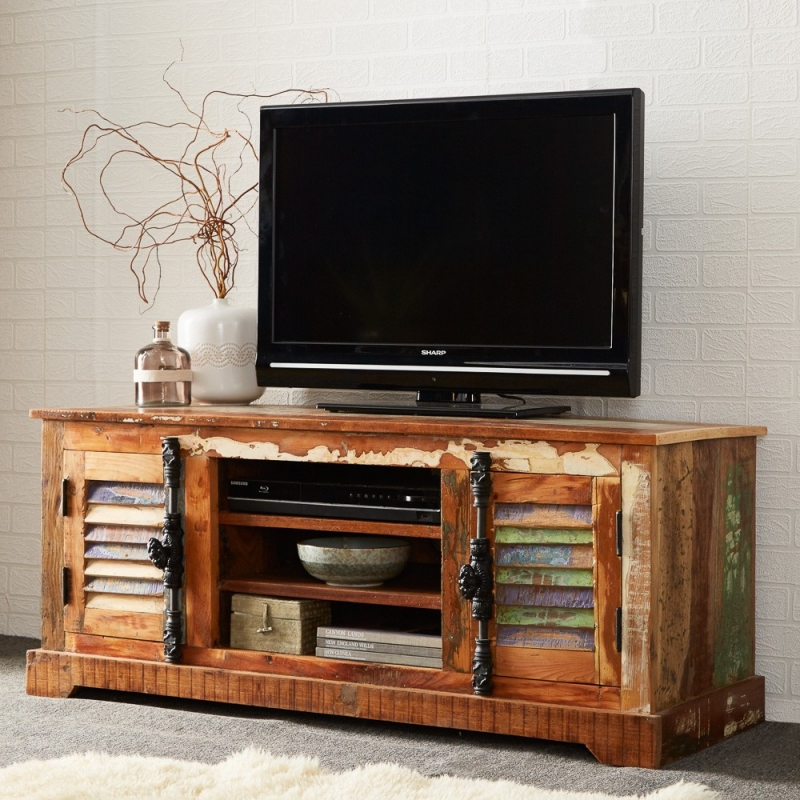 Indian Hub Coastal Reclaimed Wood Media Unit