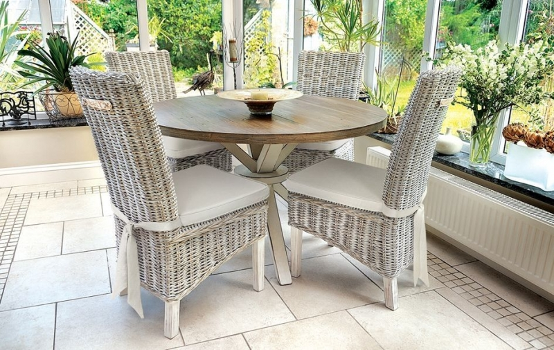 Rovico Walworth White Brush Round Dining Set with 4 Maya White Wash Chairs with Cushion
