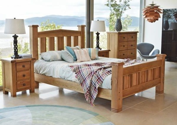 Vida Living York Oak Bed