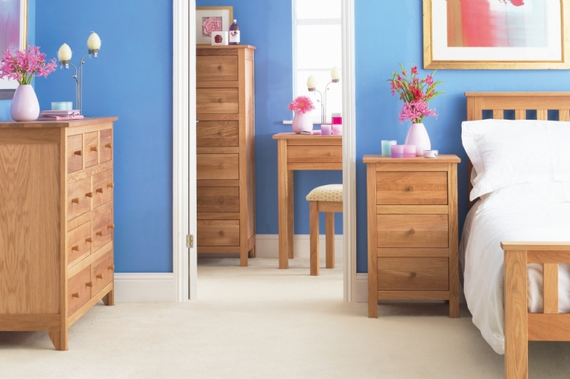 Corndell Nimbus Oak 3 Drawer Bedside